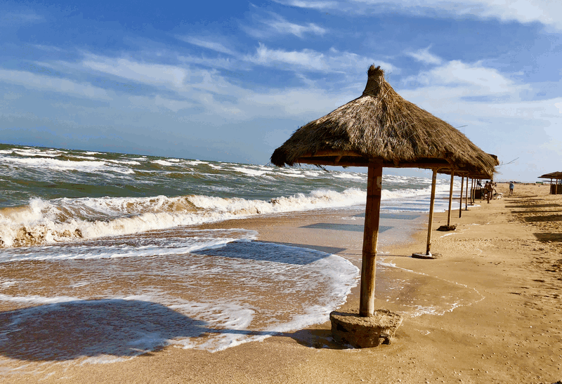 Отдых на Азовском море, пляж пансионата Экспресс на Арабатской Стрелке